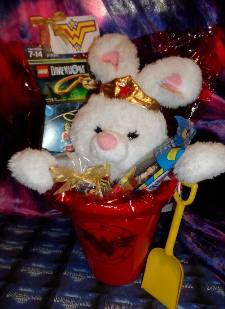 Cool-lectibles Gift Basket : Wonder Woman!