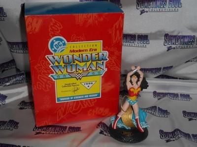 Hallmark Wonder Woman Statue