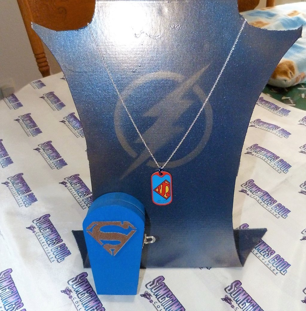 Superman Coffin w/Necklace