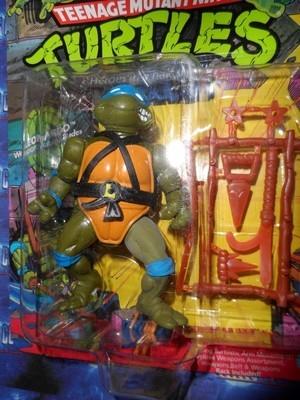 Teenage Mutant Ninja Turtles : Leonardo Action Figure