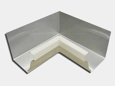 Kynar® Steel K-Style 90 Degree Inside Miter