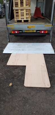 Delivery board for a gravel drive