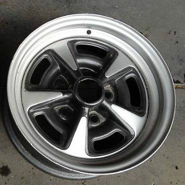 GMH GTS Holden Charcoal Wheel Paint 00067
