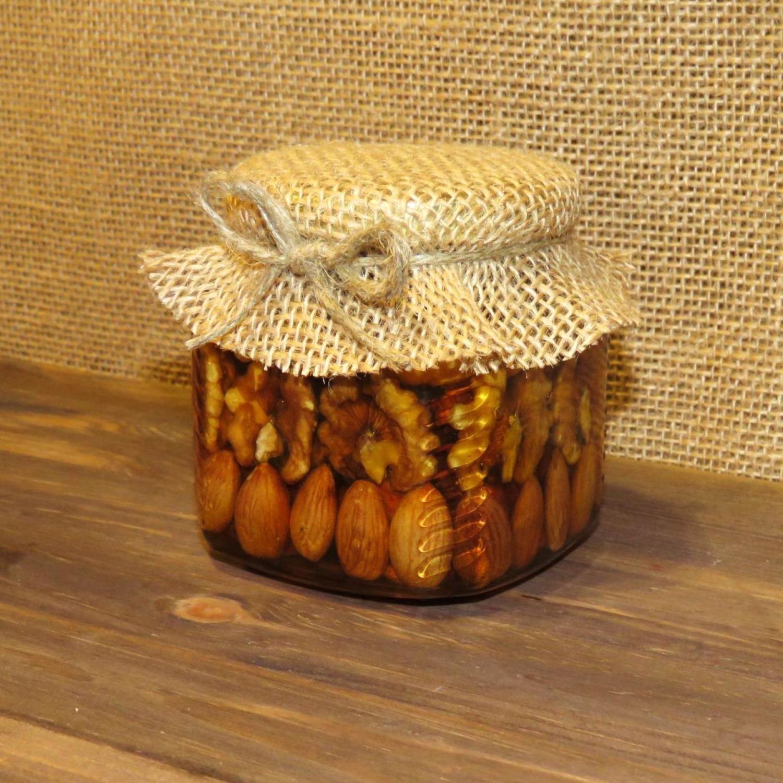 Орехи в меду (рядами), 250 мл.