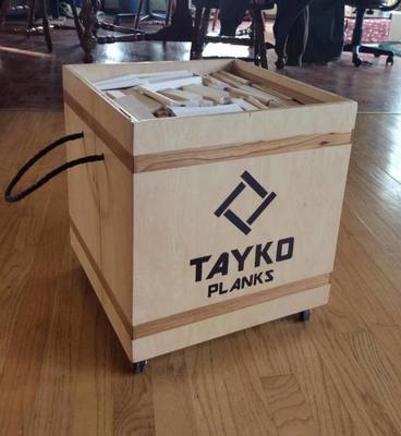 1,000 Tayko  Maple Planks with Wooden Chest on Casters