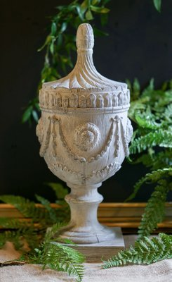 Stone decor pieces