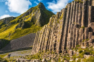 DUBLIN - THE GIANT'S CAUSEWAY CHAUFFEUR DAY TOUR - $250.00
