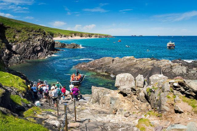 The Burren, Aran Islands & Connemara 8 Day Hike/Self Guide 09325
