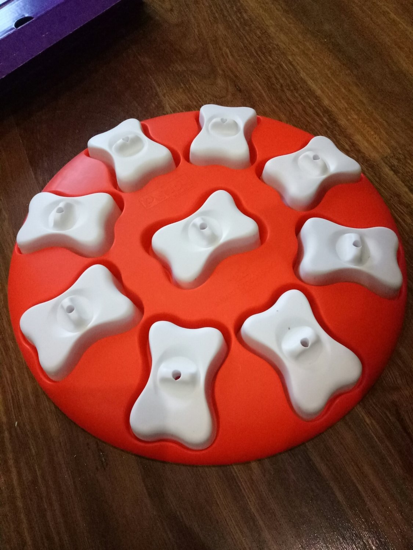 Outwardhound- pizza bone feeder