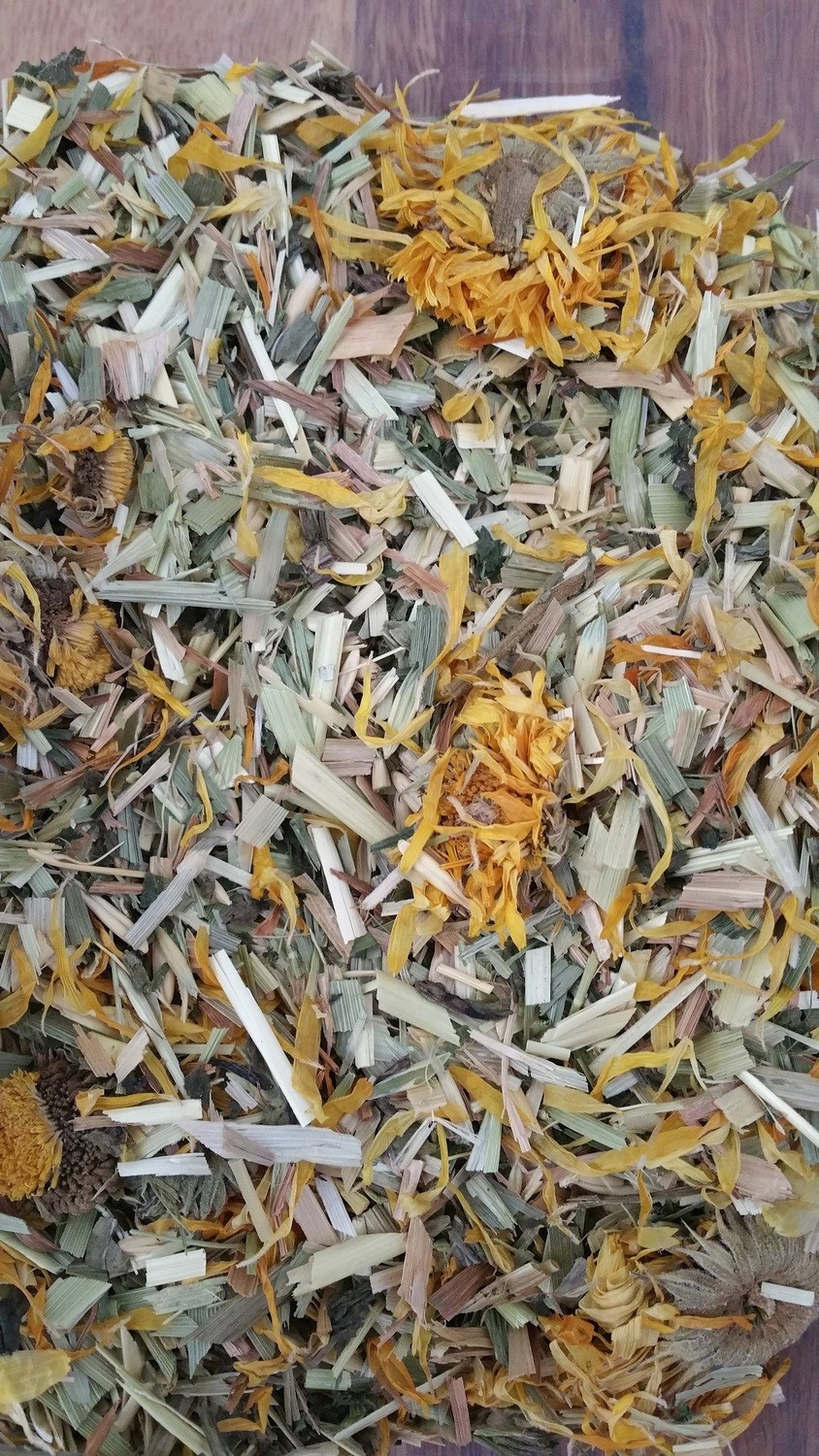 Chaff Mix with Plantain, Nettle & marigold