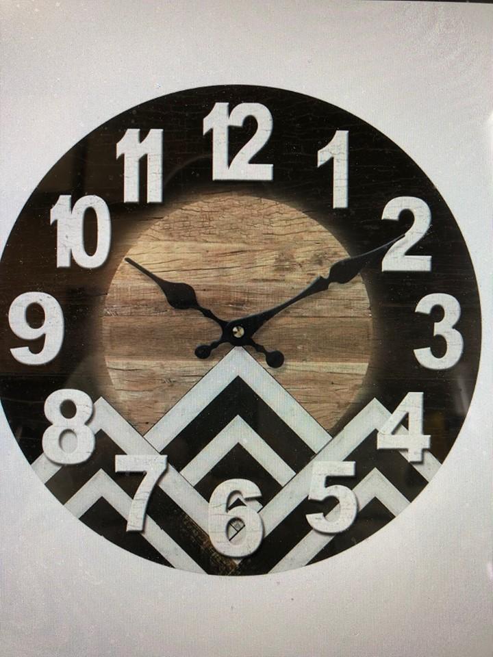 Horloge chevrons noirs