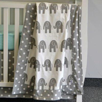 Couverture pour bassinette - Éléphant