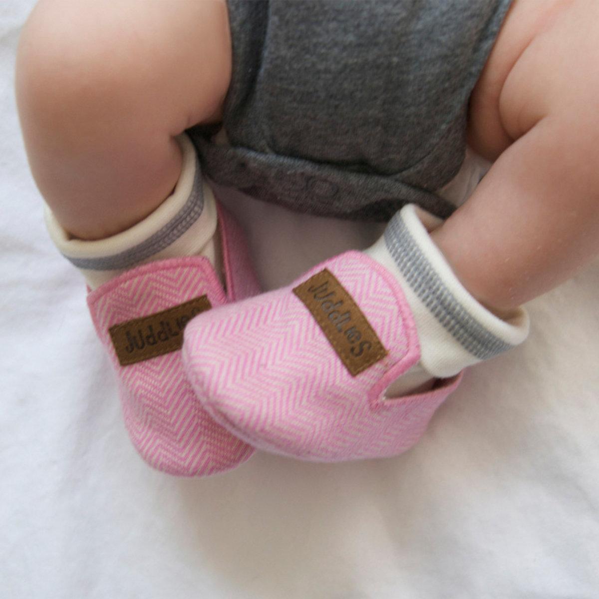 Pantoufles bébé - Juddlies Cozy Cottage Rose
