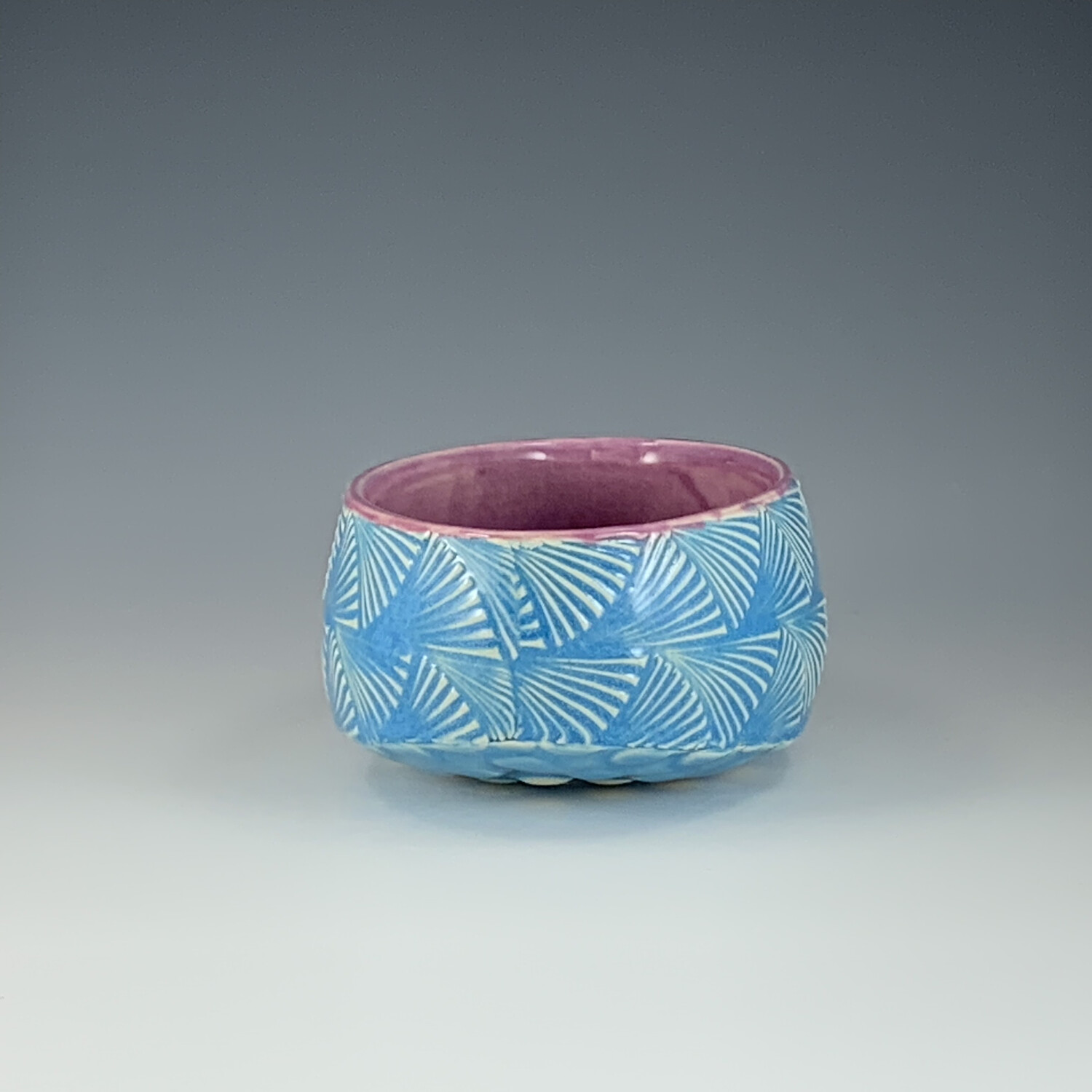Small Oval Bowl in gum & lake ice blue