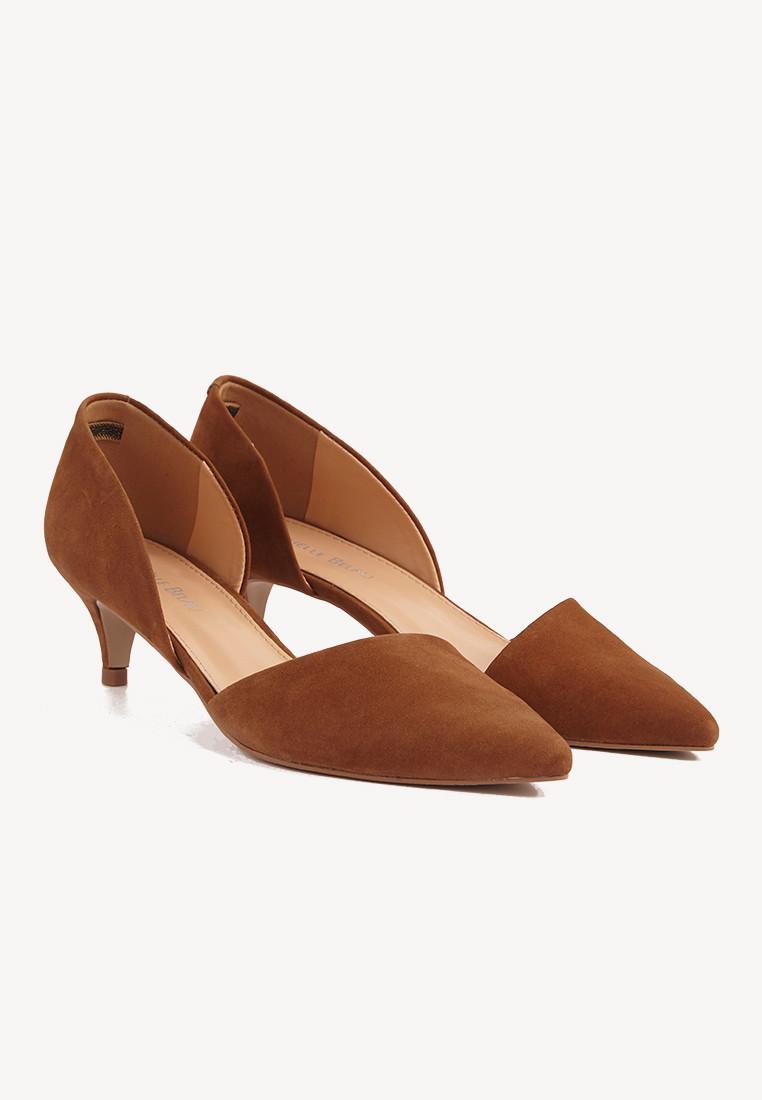 selección premium 7c793 4d63f Zapatos en punta color camel