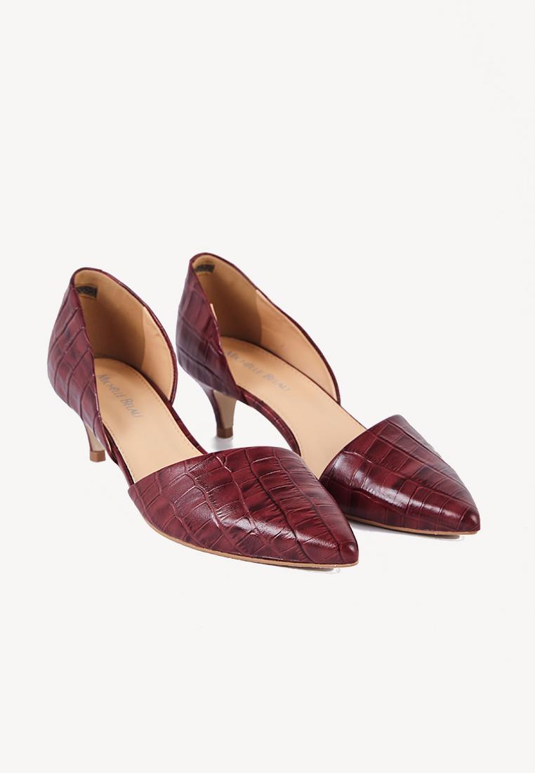Zapatos en punta color guinda con textura
