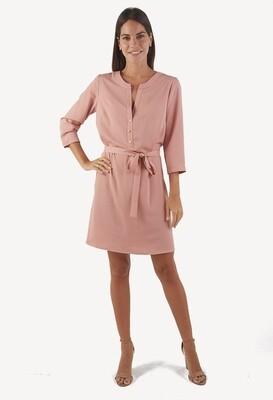 Vestido manga 3/4 escote ojal color nude