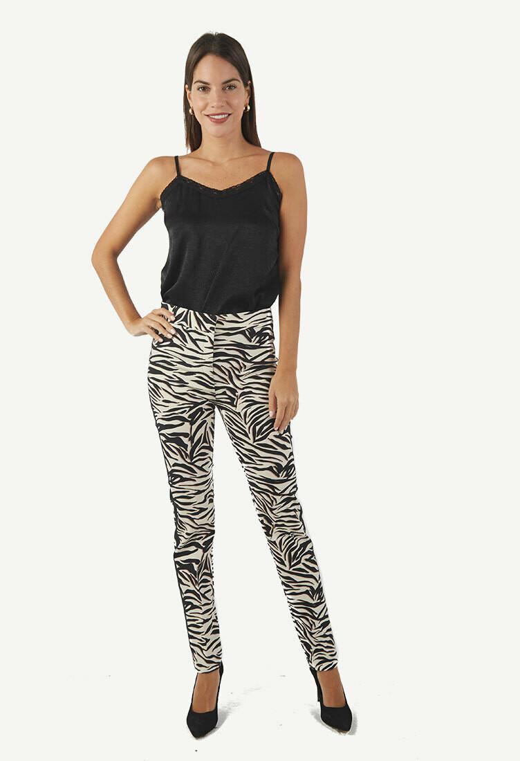 Pantalon semientubado animal print color negro