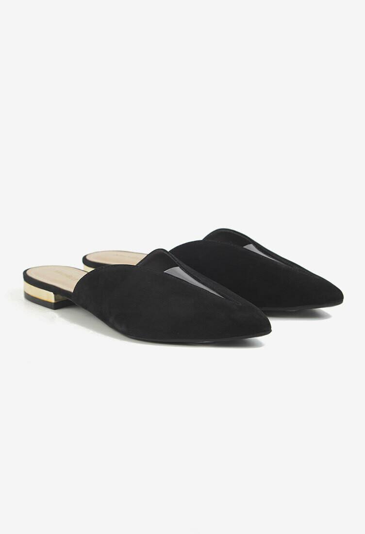 Zapatos en punta negros