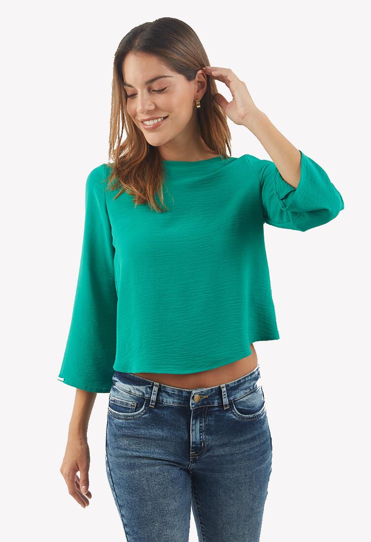 Blusa color verde con detalle en la espalda