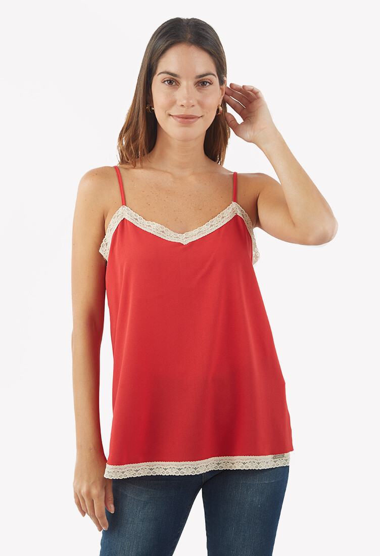 Top color rojo con blonda