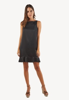 Vestido negro con bobos inferiores