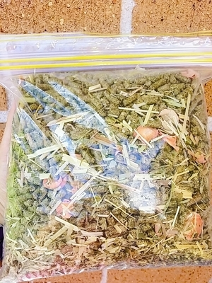 Herbal Pellet Blend 1kg (Carrots, Parsley, Dandelion)