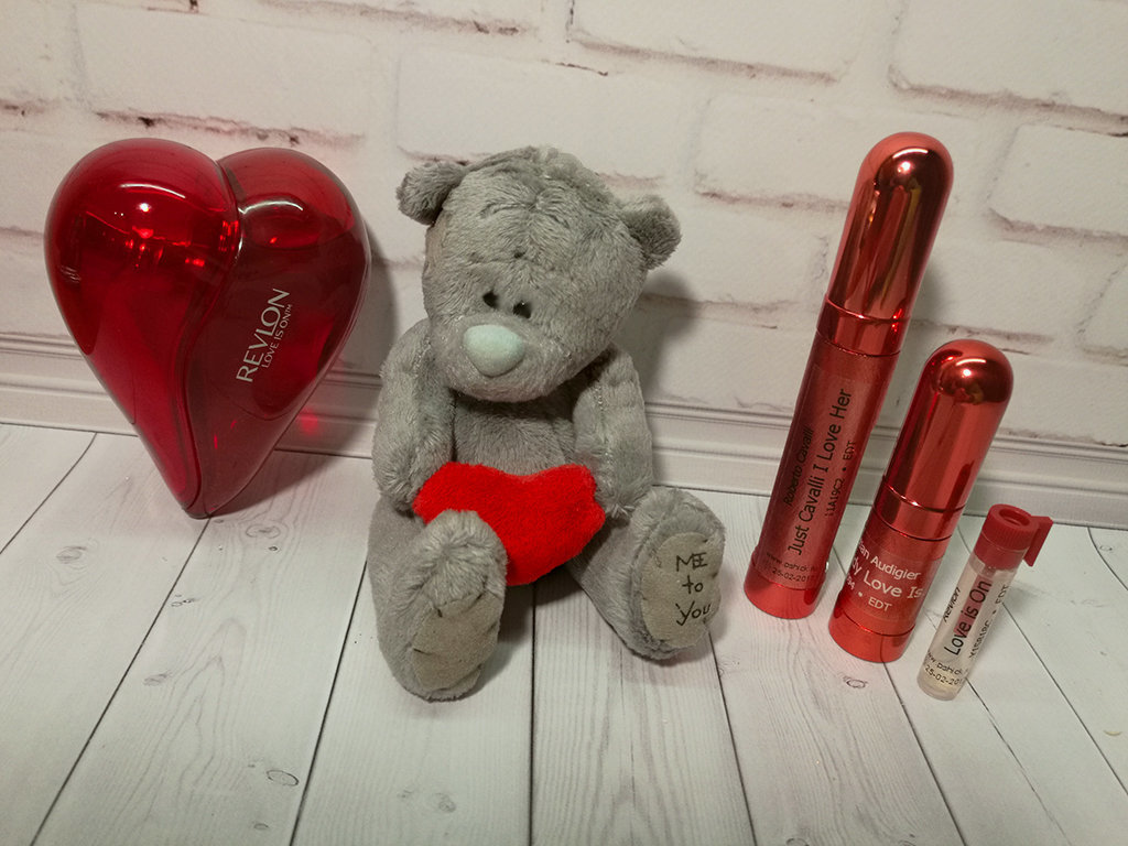 REVLON - Love Is On (EDT)