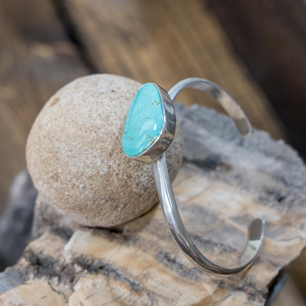 Kingman Turquoise Offset Bracelet EM Teller JE190105