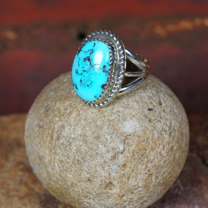 Sterling Silver Roped Edge Ring with Sleeping Beauty Turquoise JE160072