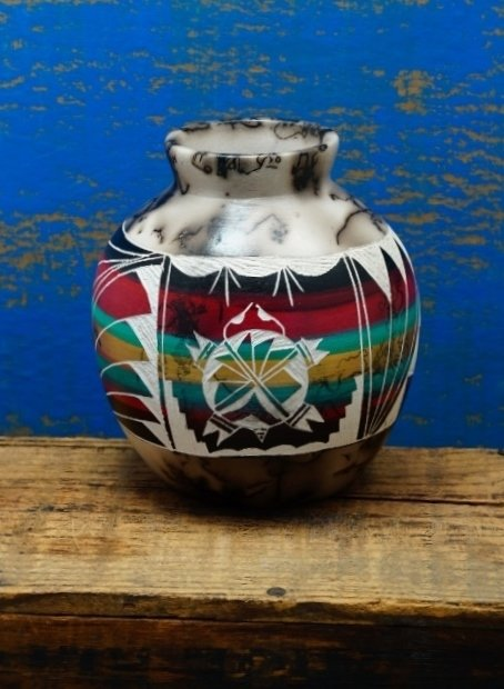 Navajo Horse Hair Vase with Turtle Design GA170022