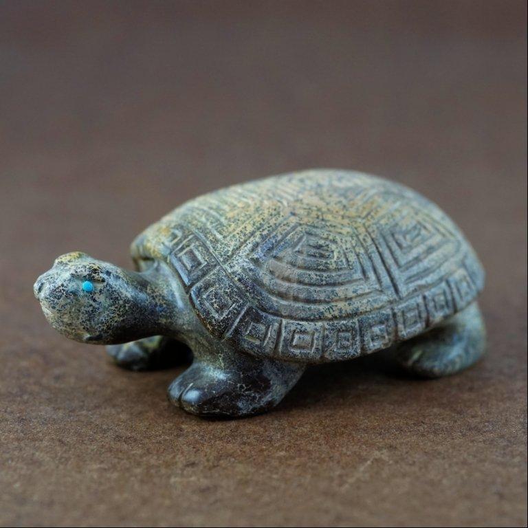 Zuni Serpentine Turtle Fetish by Travis Nieto GA170102