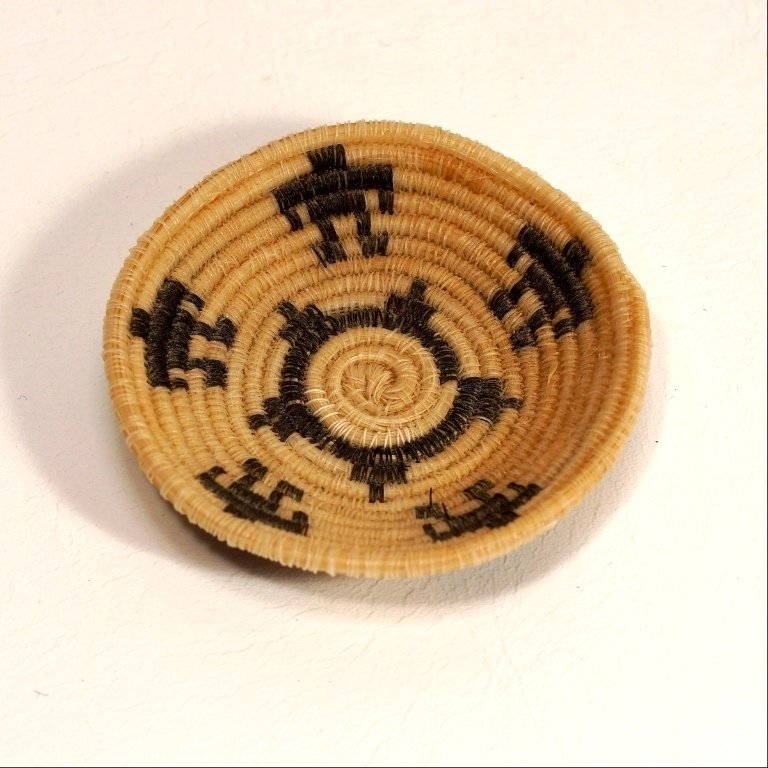 Tohono O'odham Horse Hair Basket 5 Figure Design GA170113