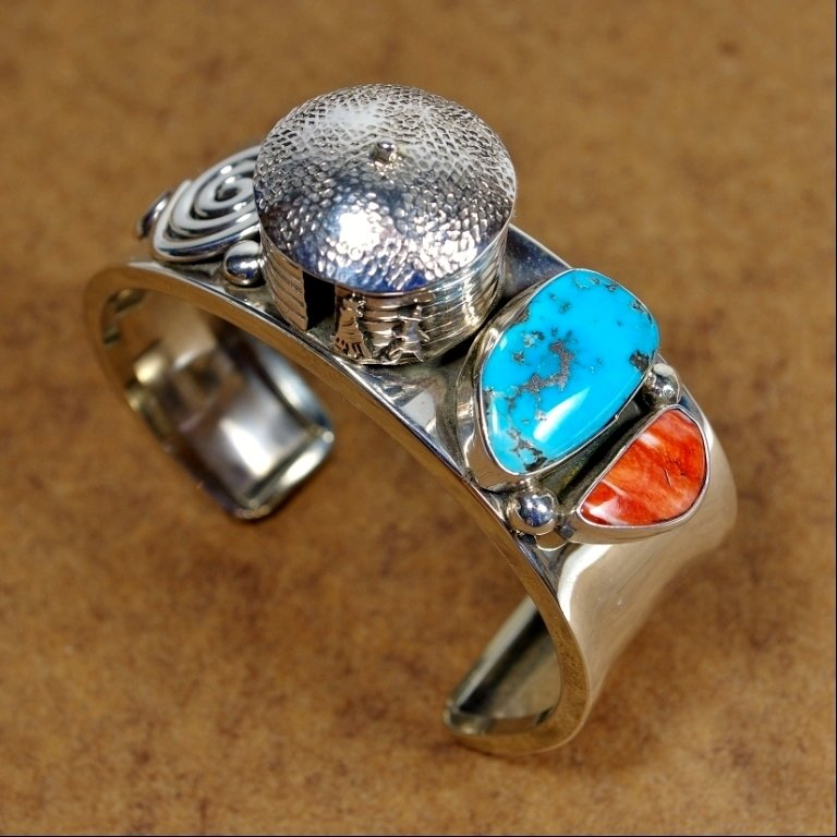 Sterling Silver Cuff with Hogan & Turquoise JE170155