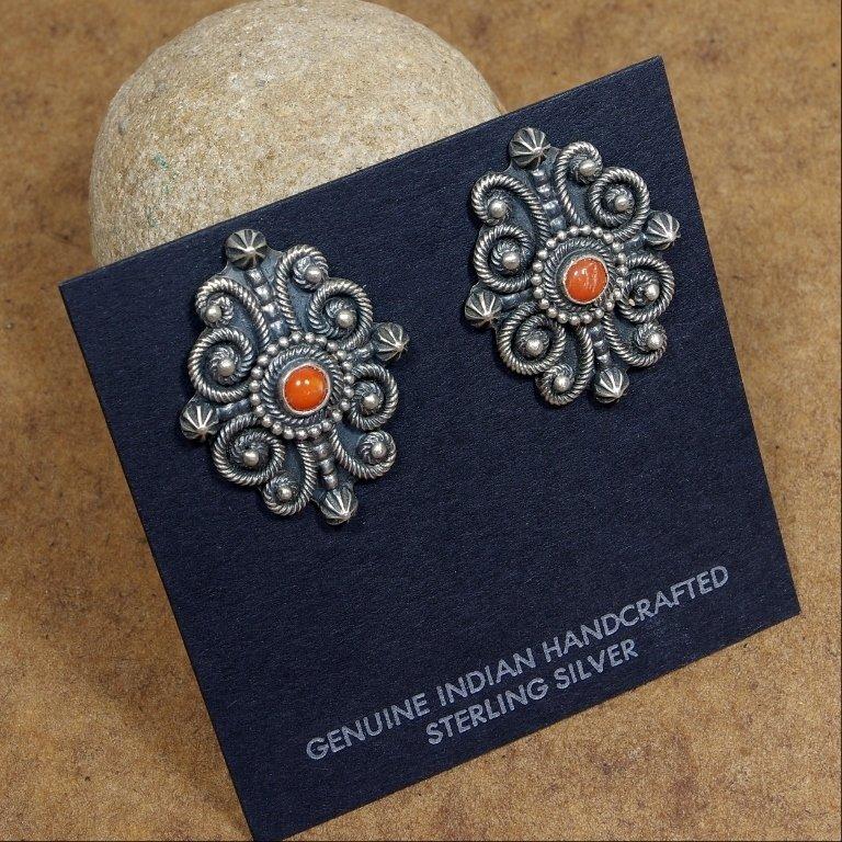 Coral Earrings JE170171