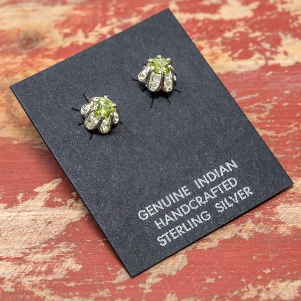 San Carlos Apache Sterling Silver Peridot Earrings JE180089
