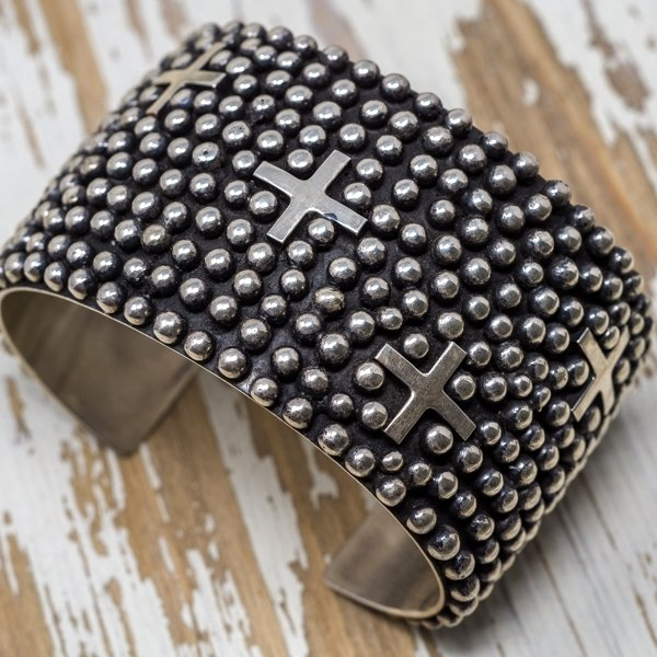 Ronnie Willie Sterling Silver Cross Cuff JE180172