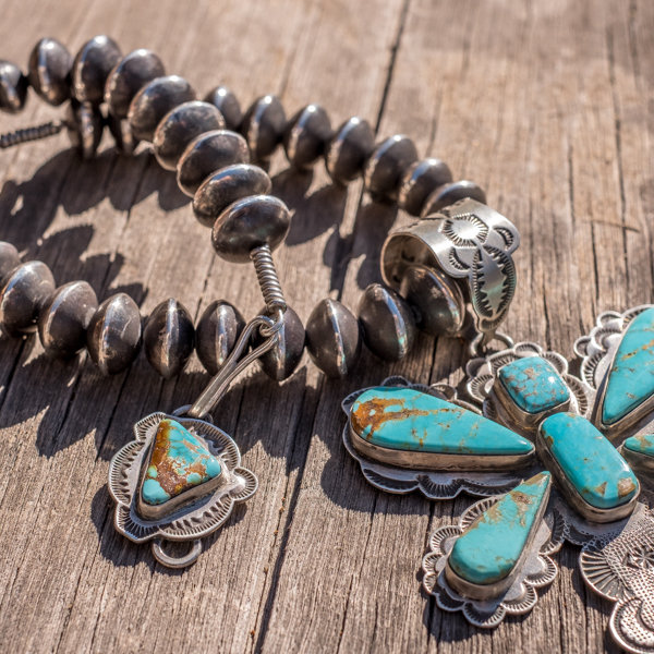 Kingman Turquoise & Navajo Pearl Necklace - Close Up