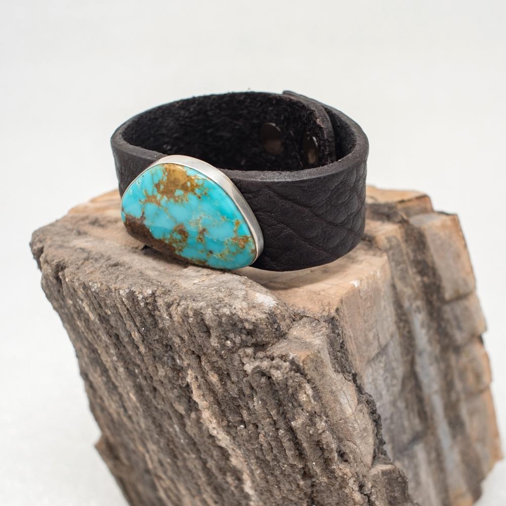 Kingman Turquoise Leather Bracelet JE190014