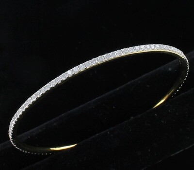 18KT YELLOW GOLD 3.0 CT TW DIAMOND BANGLE BRACELET