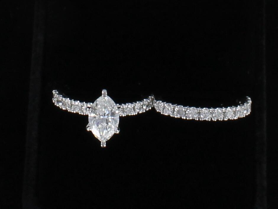 10KT GIA CERTIFIED 1.31 CT MARQUISE DIAMOND WEDDING SET