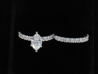 10KT GIA CERTIFIED 1.31 CT MARQUISE DIAMOND WEDDING SET