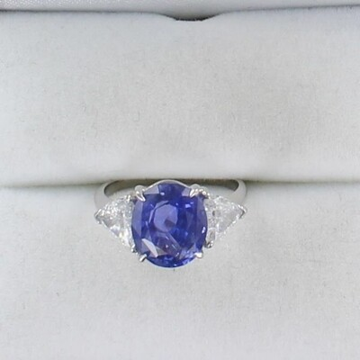PLATINUM 5.30 CT NO HEAT, SAPPHIRE WITH 1.35 CT TW TRILLIONS RING, ASBREY