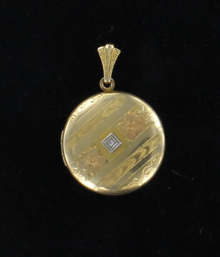 GOLD-FILLED LOCKET CIRCA 1930