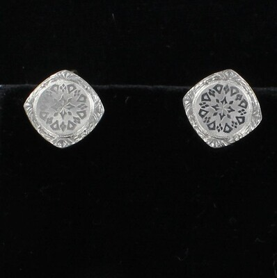 PLATINUM/14KT ENGRAVED EARRINGS, CIRCA 1900