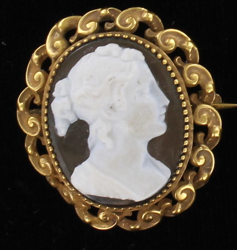 18KT VICTORIAN CAMEO