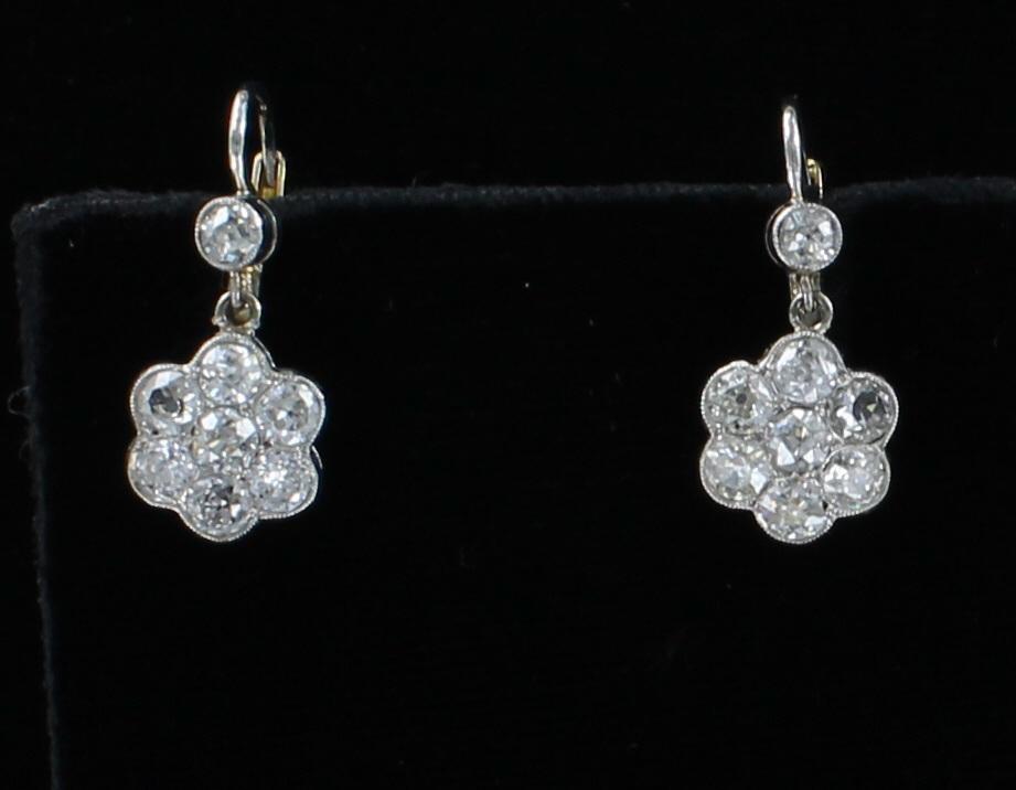 18KT/PLATINUM DIAMOND FLOWER EARRINGS CIRCA 1920
