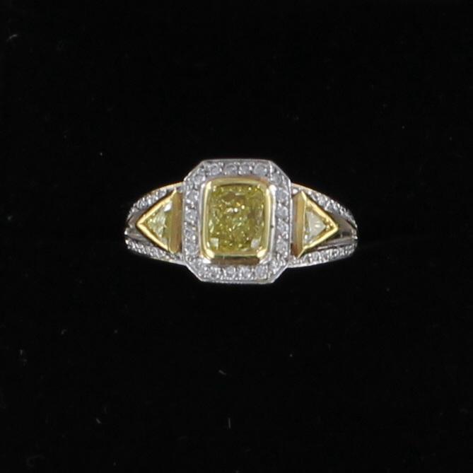 18KT FANCY YELLOW DIAMOND RING 205-2193