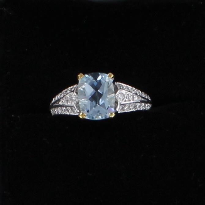 18KT AQUAMARINE AND DIAMOND RING 101-2776
