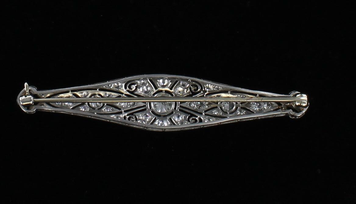 PLATINUM DIAMOND FILAGREE PIN CIRCA 1920